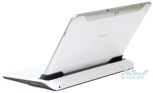 Samsung Galaxy Tab 10.1 в док-станции. Вид сзади