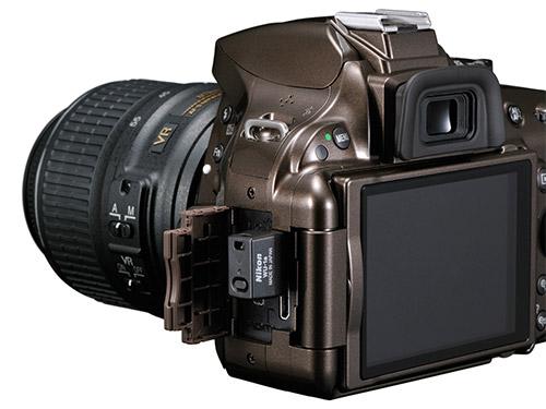Nikon D5200. Вид сзади