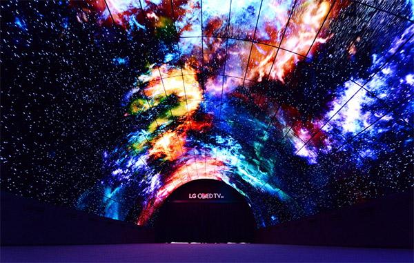 Крупнейший в мире OLED-тоннель встречает посетителей IFA