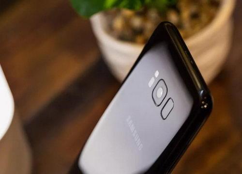 Samsung встроит сканер отпечатков в дисплей Galaxy Note 9