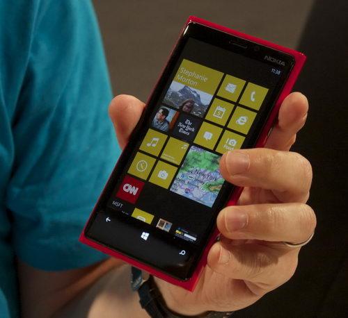 Microsoft прекращает разработку Windows Mobile