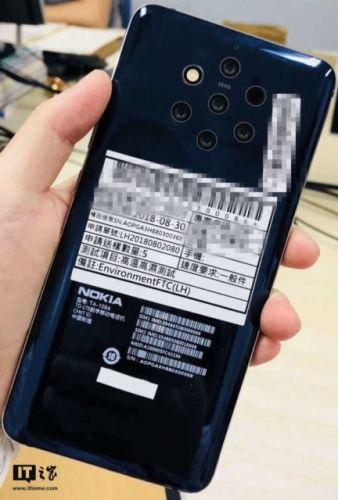 Смартфон Nokia с пятью камерами показался на фото