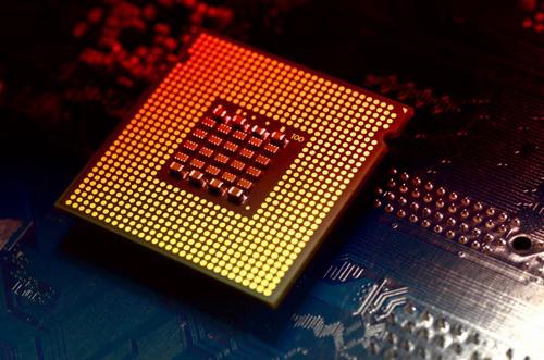 Уязвимость в процессорах Intel замедлит компьютеры
