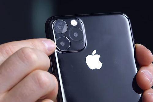 iPhone 11 Max с тройной камерой показался на фото